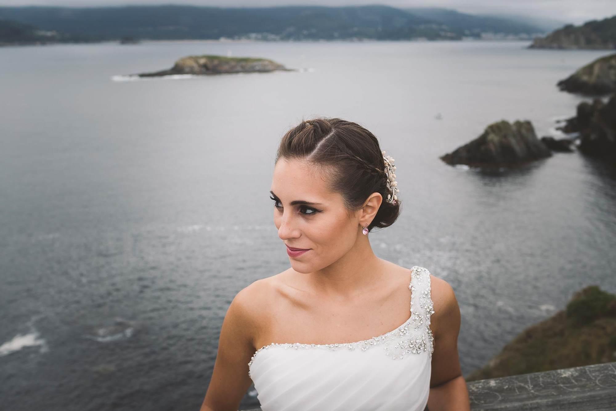 Retrato de la novia durante la postboda.